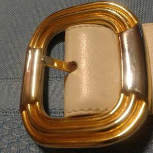 NWOT Liz Claiborne Cream and Gold Belt